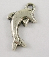 Dolfijn Metalen hanger .Tibetaans zilver.