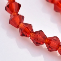 bicoon Kristal  hand geslepen  donker rood