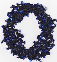 Haak pakketje donker blauw op elastiek gehaakt