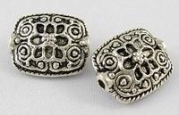 Plat bewrkt antiek zilver
