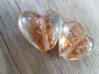 Goudbruin met goud zand hartje